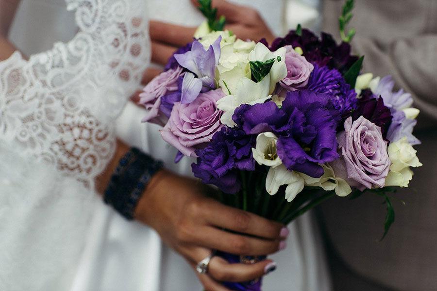 Букет-невесты-с-лизиантусами