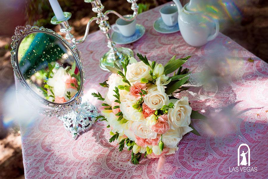 Букет-невесты-в-нежных-тонах