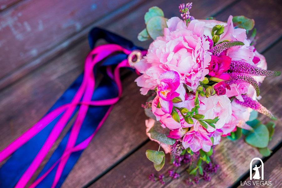 Букет-невесты-в-розово-синей-гамме