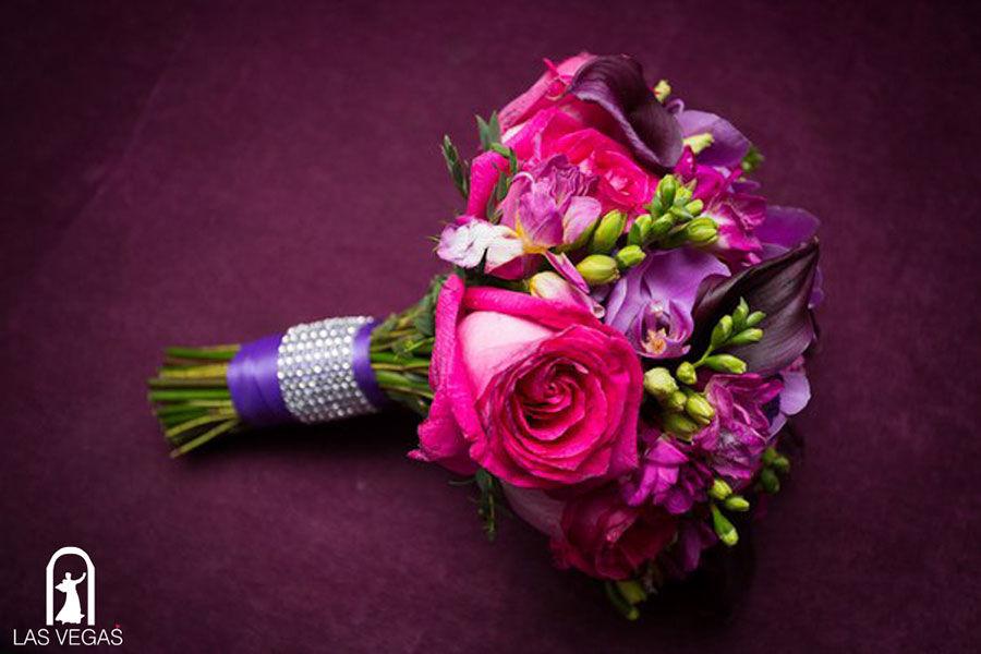 Букет-невесты-в-сиреневом-цвете