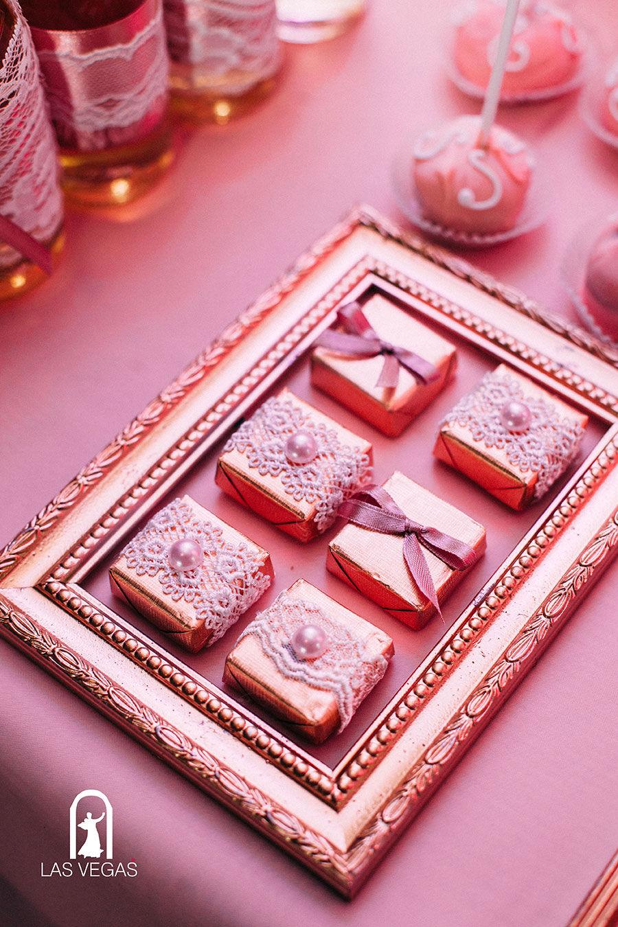 Декор-конфет-на-свадьбе