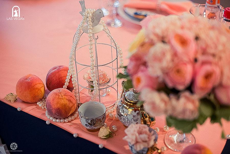 Декор-персиковой-свадьбы