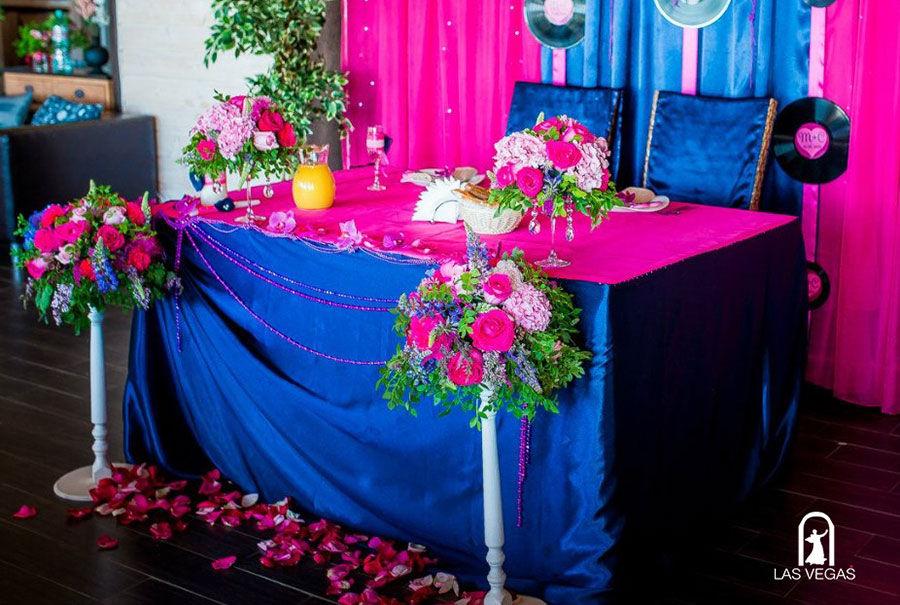 Декор-президиума-в-синем-цвете