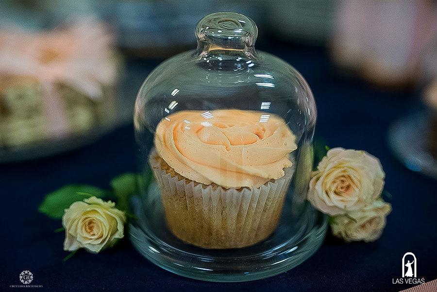 Капкейки-в-персиковом-цвете