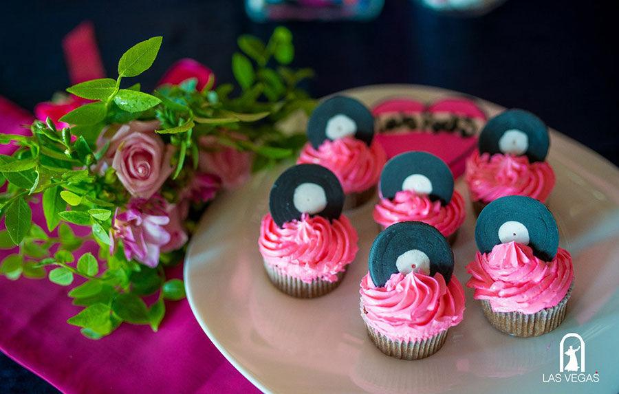 Свадебные-пирожные-в-музыкальном-стиле