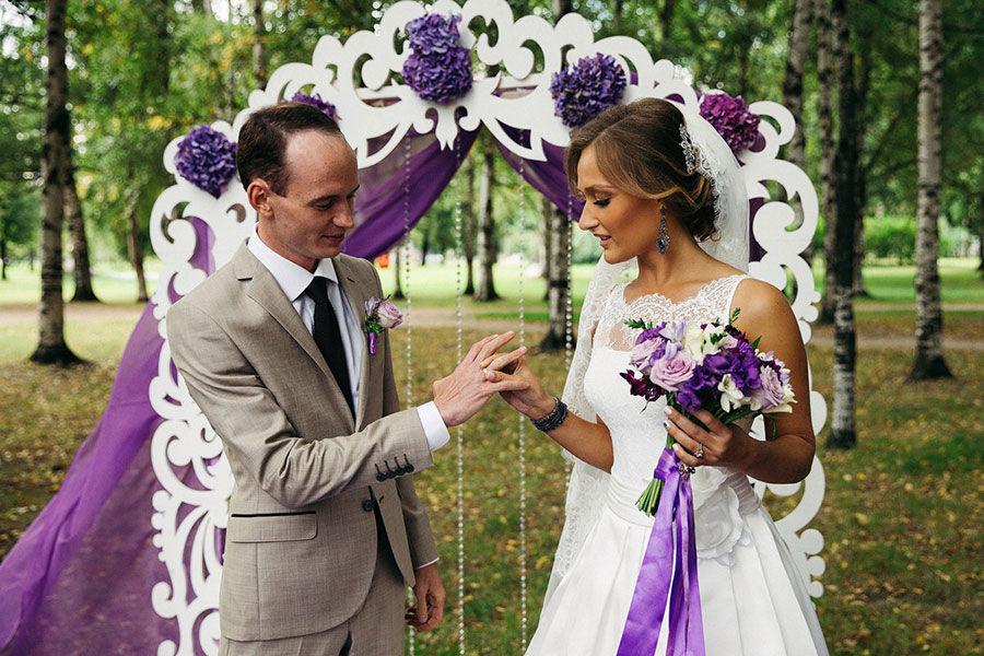 Выездная-регистрация-брака-в-парке
